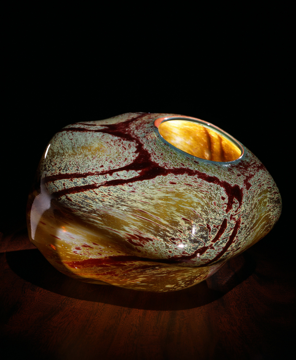 Dale Chihuly,  Italian Ochre Macchia with Apricot Lip Wrap  (1981, glass, 6 x 8 x 8 inches), DC.107