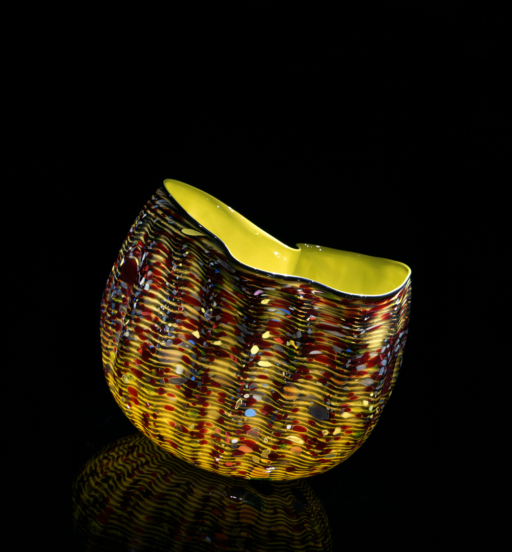 Dale Chihuly,  Dandelion Macchia with Osmium Blue Lip Wrap  (1982, glass, 8 x 9 x 8 inches), DC.114