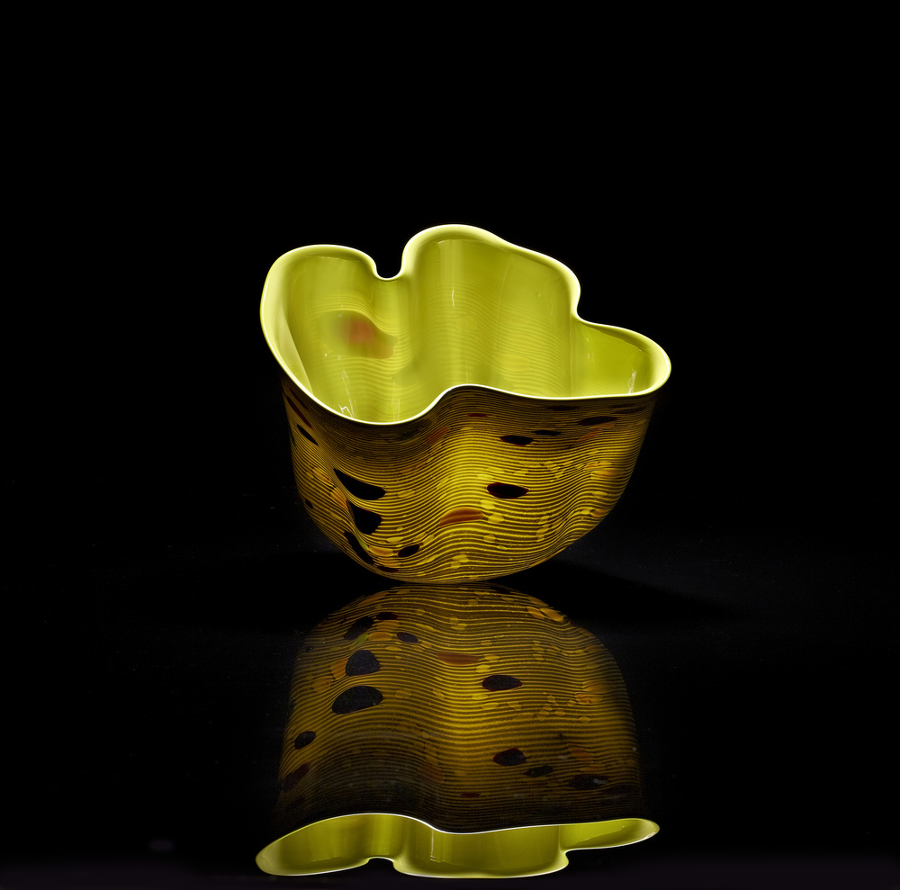 Dale Chihuly,  Olive Green Macchia with Cobalt Lip Wrap  (1982, glass, 9 x 8 x 7 inches)