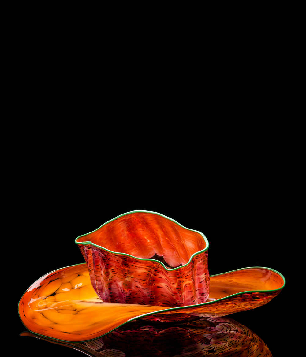 Dale Chihuly,  Butterscotch Set with Teal Lip Wrap  (1986, glass, approximately 18 x 30 x 30 inches), DC.143