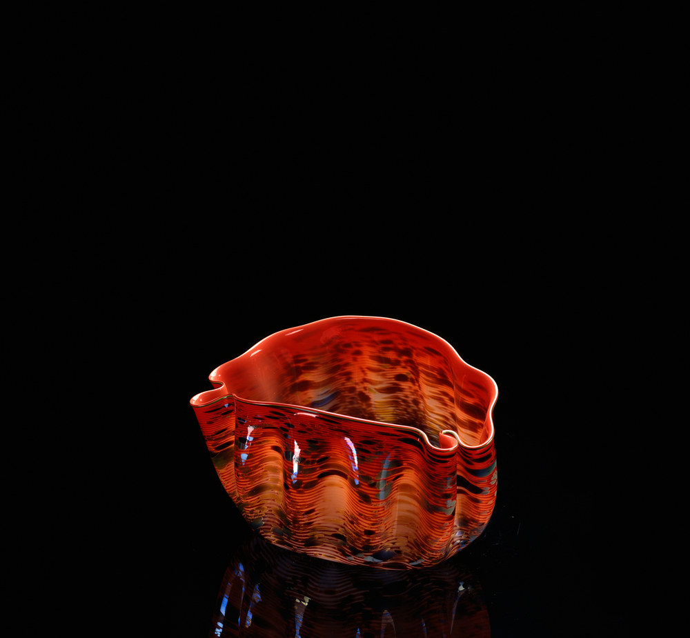 Dale Chihuly,  Scarlet Red Macchia with Green Lip Wrap  (1983, glass, 10 x 14 x 9 inches), DC.327