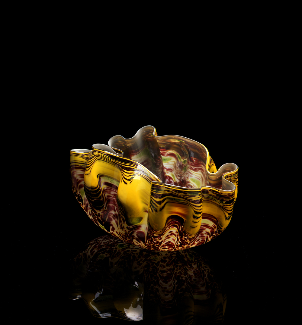 Dale Chihuly,  Yellow, Green, and Oxblood Macchia  (1982, glass, 7 x 14 x 9 inches), DC.338