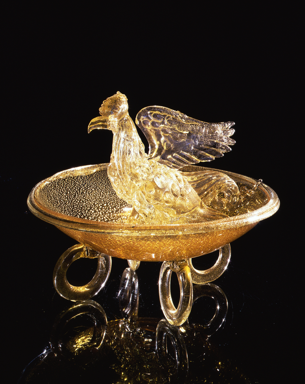 Dale Chihuly,  Spotted Gold Putti Venetian with Eagle  (1994, glass, 16 x 19 x 19 inches)