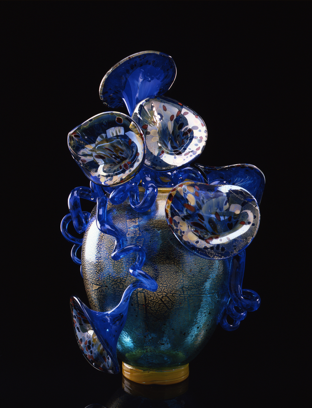 Dale Chihuly,  Green and Gold Venetian  (1990, glass, 23 x 17 x 16 inches)
