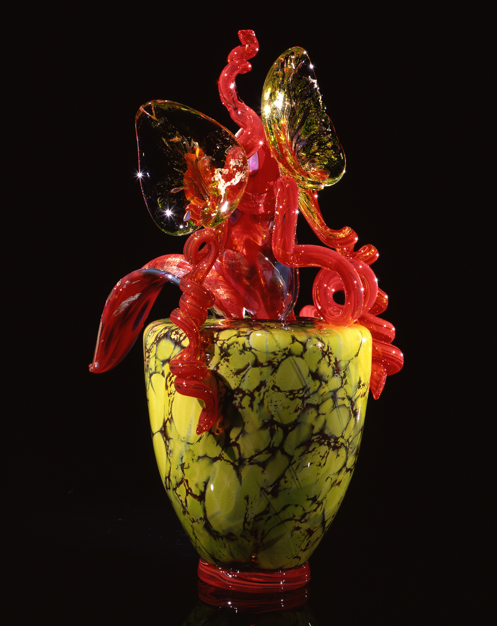 Dale Chihuly,  Chartreuse Piccolo Venetian with Red Flowers  (1993, glass, 11 x 8 x 7 inches)