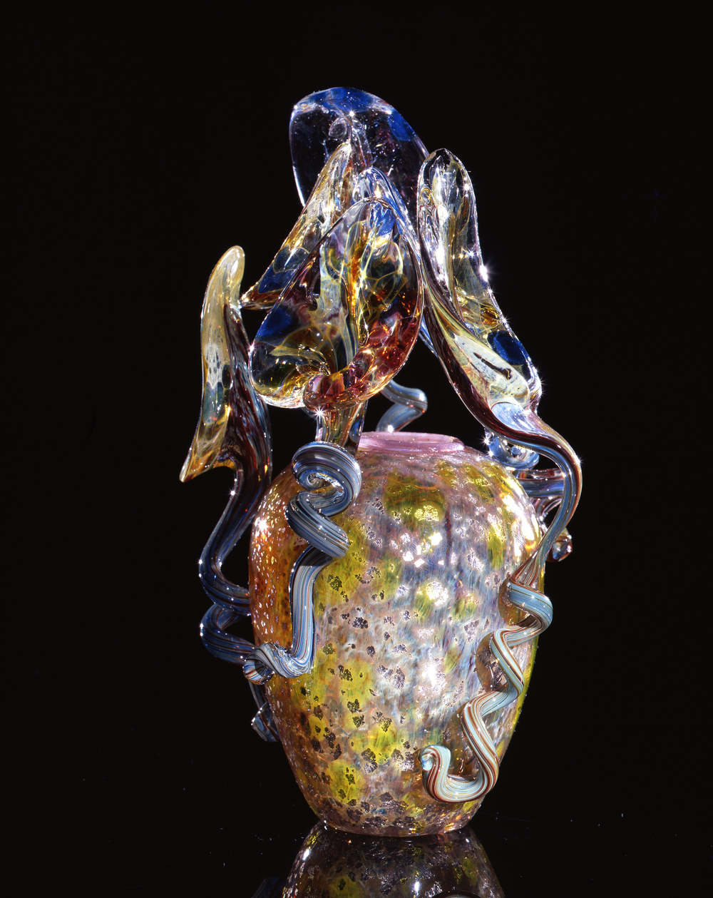 Dale Chihuly,  Lavender Piccolo Venetian with Cerulean Lilies  (1993, glass, 8 x 5 x 5 inches)