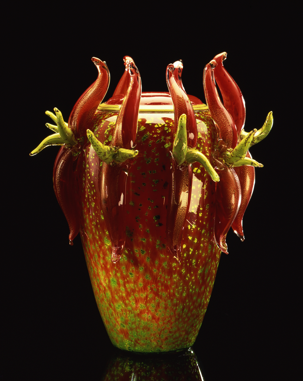 Dale Chihuly,  Green and Red Piccolo Venetian with Red Handles  (1990, glass, 9 x 7 x 7 inches)