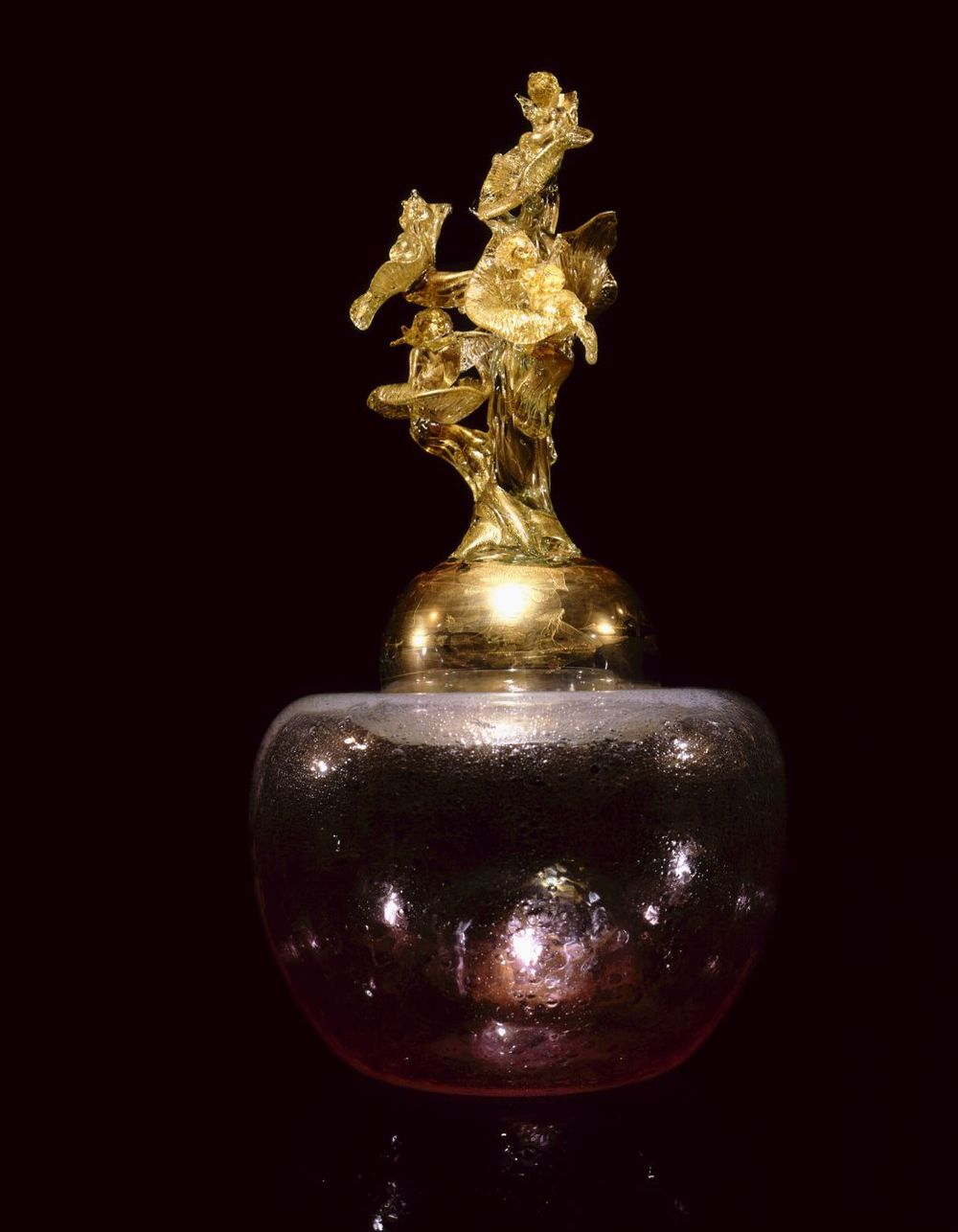 Dale Chihuly,  Stopper (Putti and the Tree)  (1994-1997, glass, 40 x 20 1/2 x 21 1/2 inches)