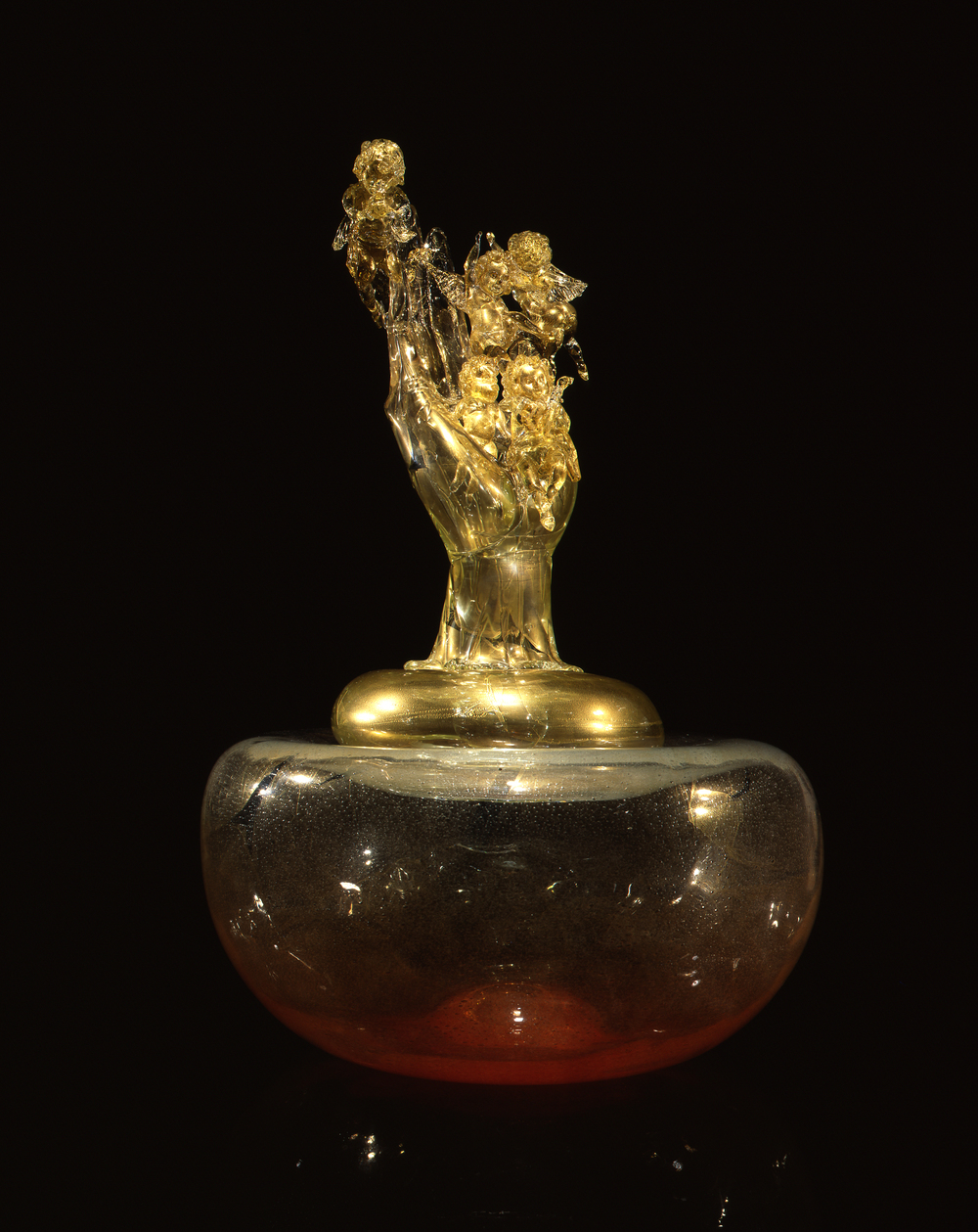 Dale Chihuly,  Stopper (Putti and the Hand)  (1994-1997, glass, 33 x 22 x 22 inches)