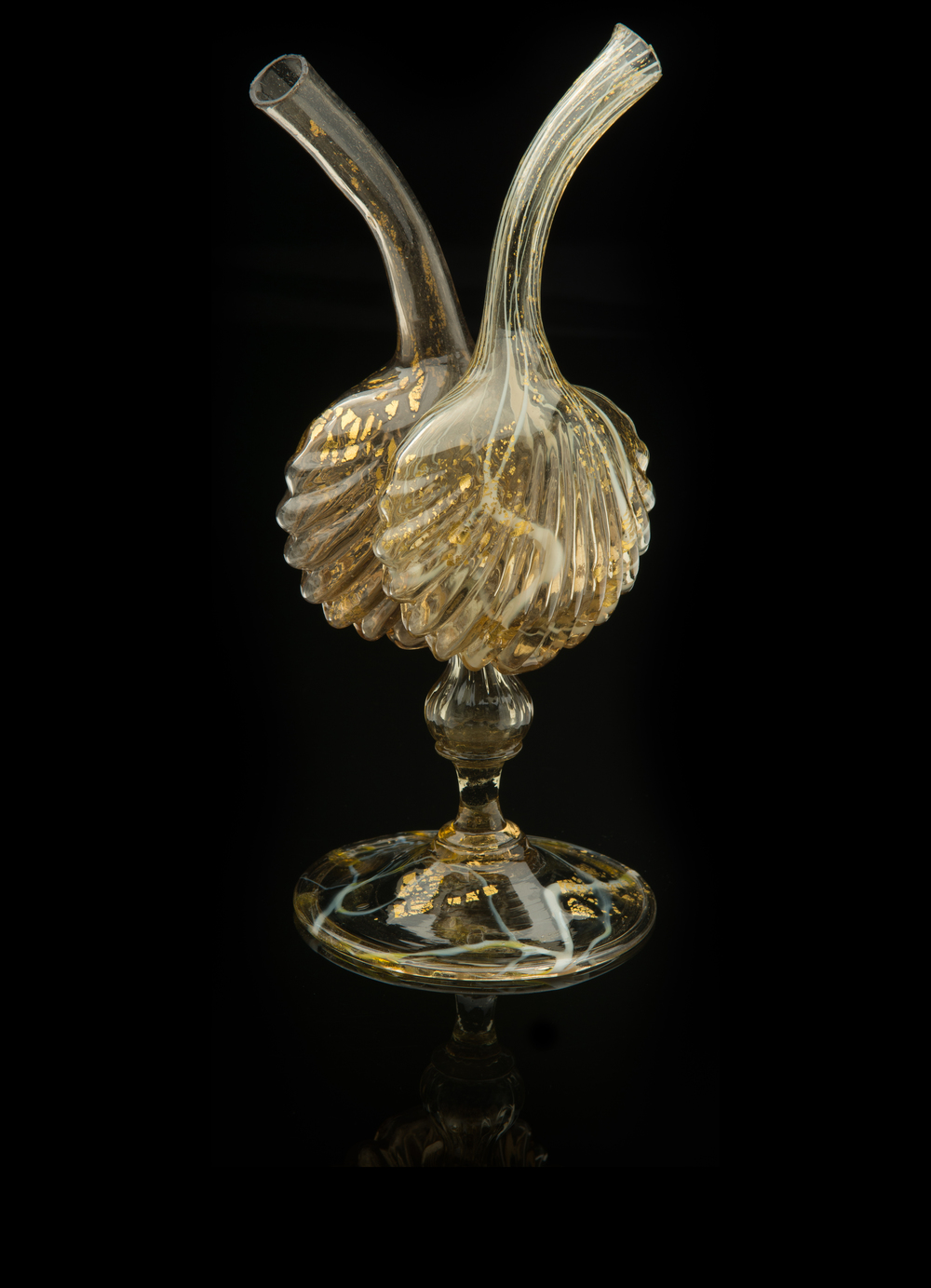 Salviati and Company,  Scalloped Shell Gemel  (circa 1880, glass, 9 inches), VV.387