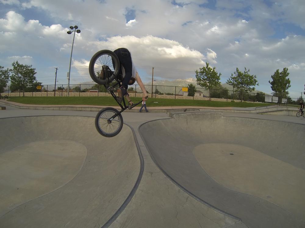 Kurt Perkins,Dippin hard on a 360 at Sandy park.