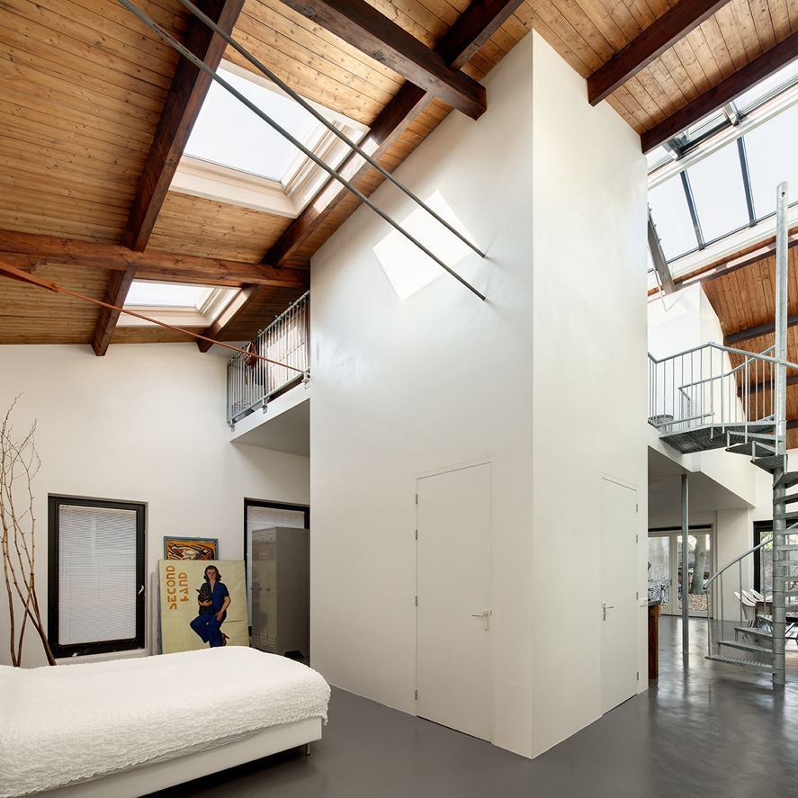 Loftwoning in fabriekshal Delft - 1e fase