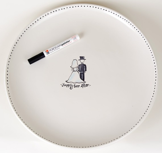 Perfect for the couple that cooks together! Have your guest sign a plate that you can keep forever - credit etsy.com