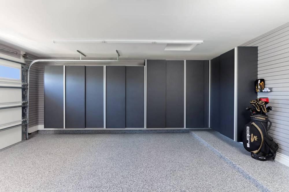 Granite Sliding Door Closed-Smoke Floor-Arcadia.jpg