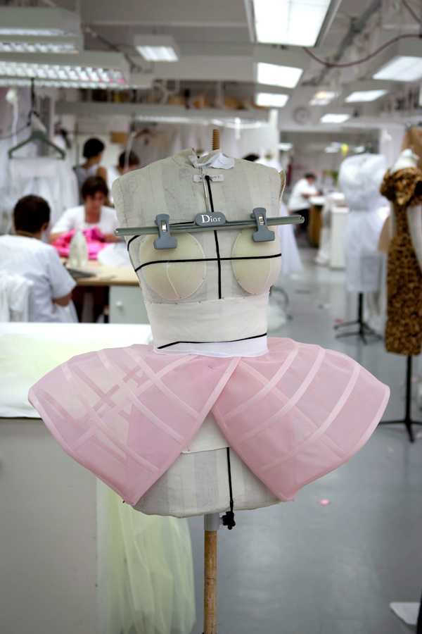 hautekills :     Inside the atelier for Christian Dior haute couture f/w 2009