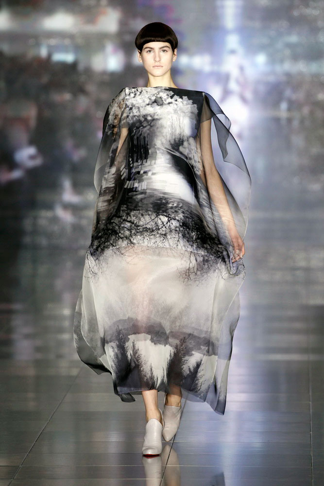 wgsn :     Incredible talent and craftsmanship  @MaryKatrantzou  #LFW     Holy balls, Mary. Love it.