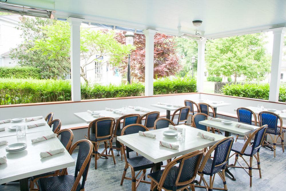 Hamptons-Amagansett-Meeting-House-Restaurant-01.jpg
