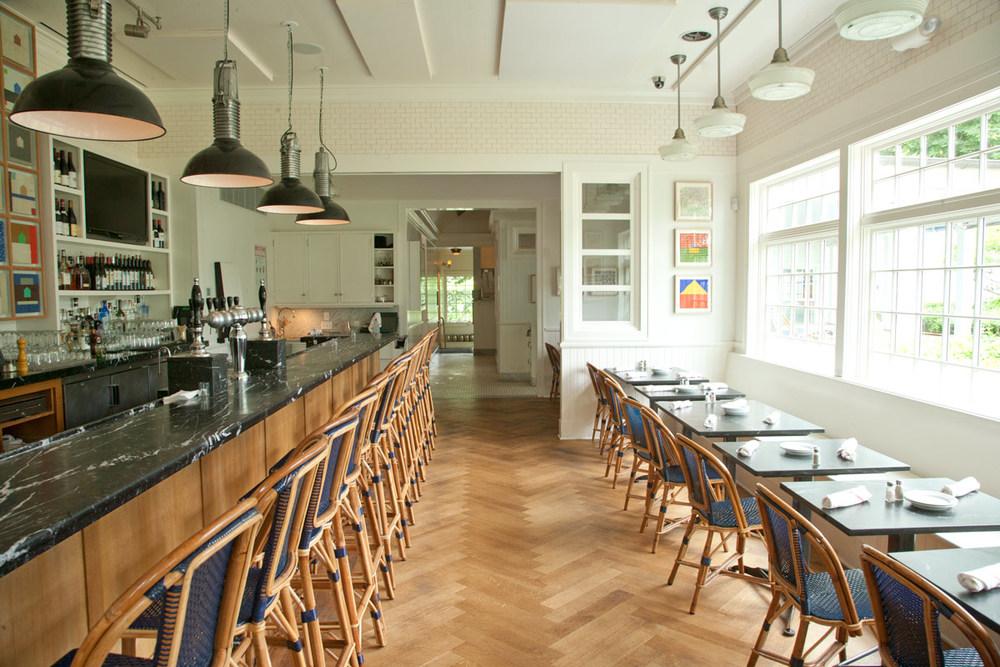 Hamptons-Amagansett-Meeting-House-Restaurant-03.jpg