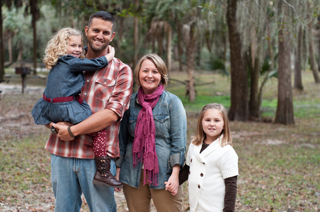 Photo Says Hello | Tampa Holiday Mini Sessions | Lithia Springs Park