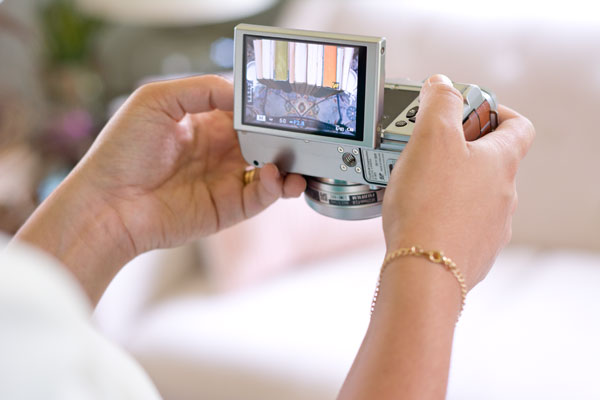 Fufijifilm's X-M1 has a flip screen which makes it great for taking flat lays
