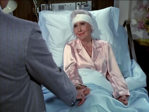 Do hospitals really bandage people like that??