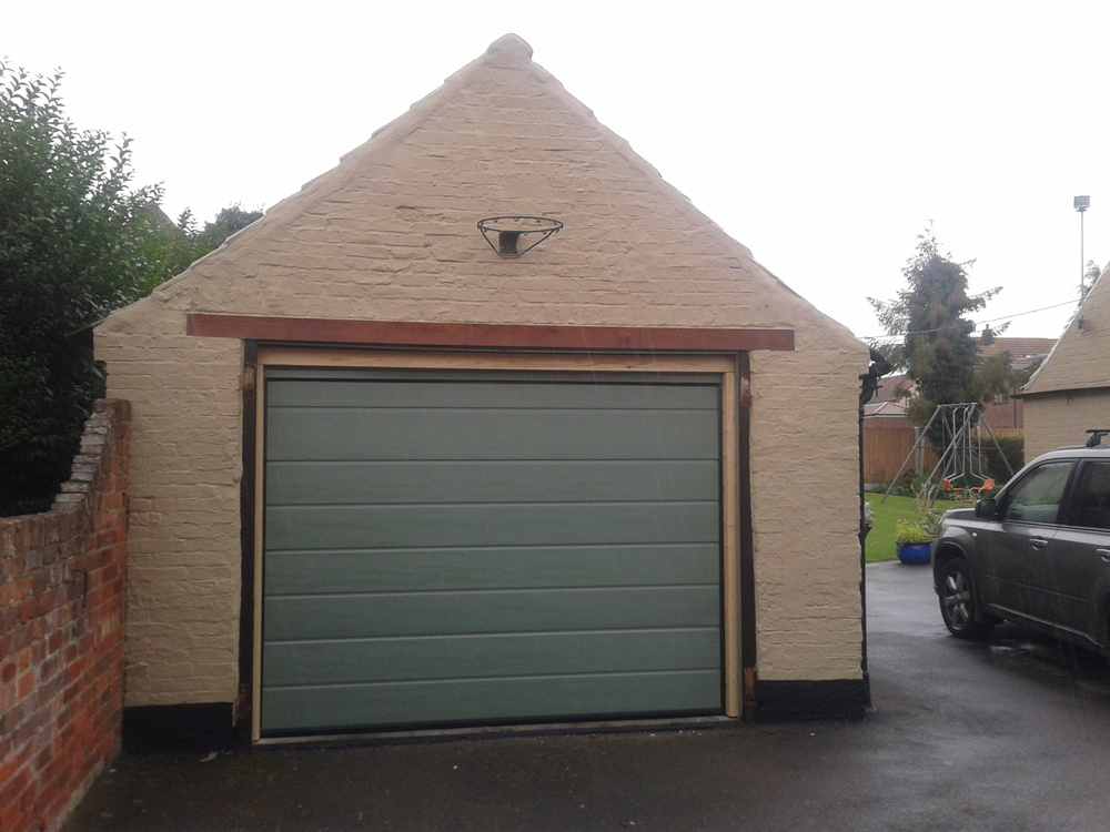 Automatic-Sectional-Garage-Door-Retford.jpg