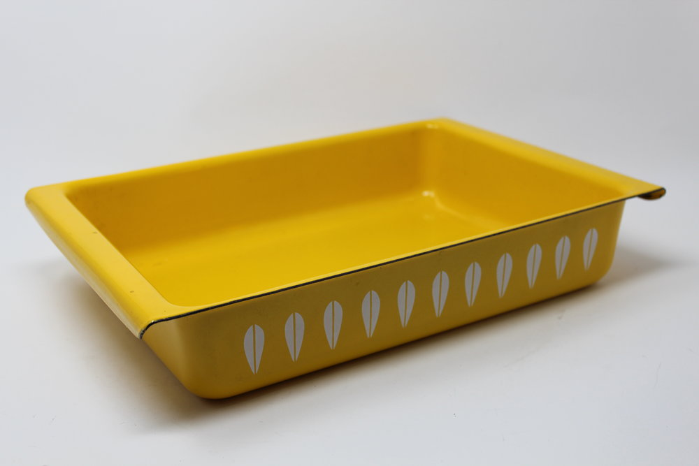 Classic Yellow Cathrineholm Casserole Pan