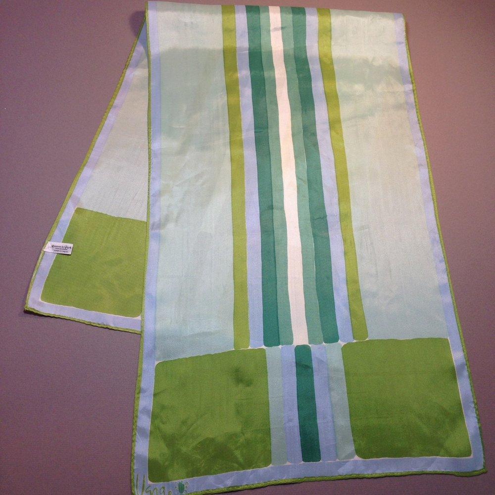 Shiny Green Acryllic Vintage Vera Scarf