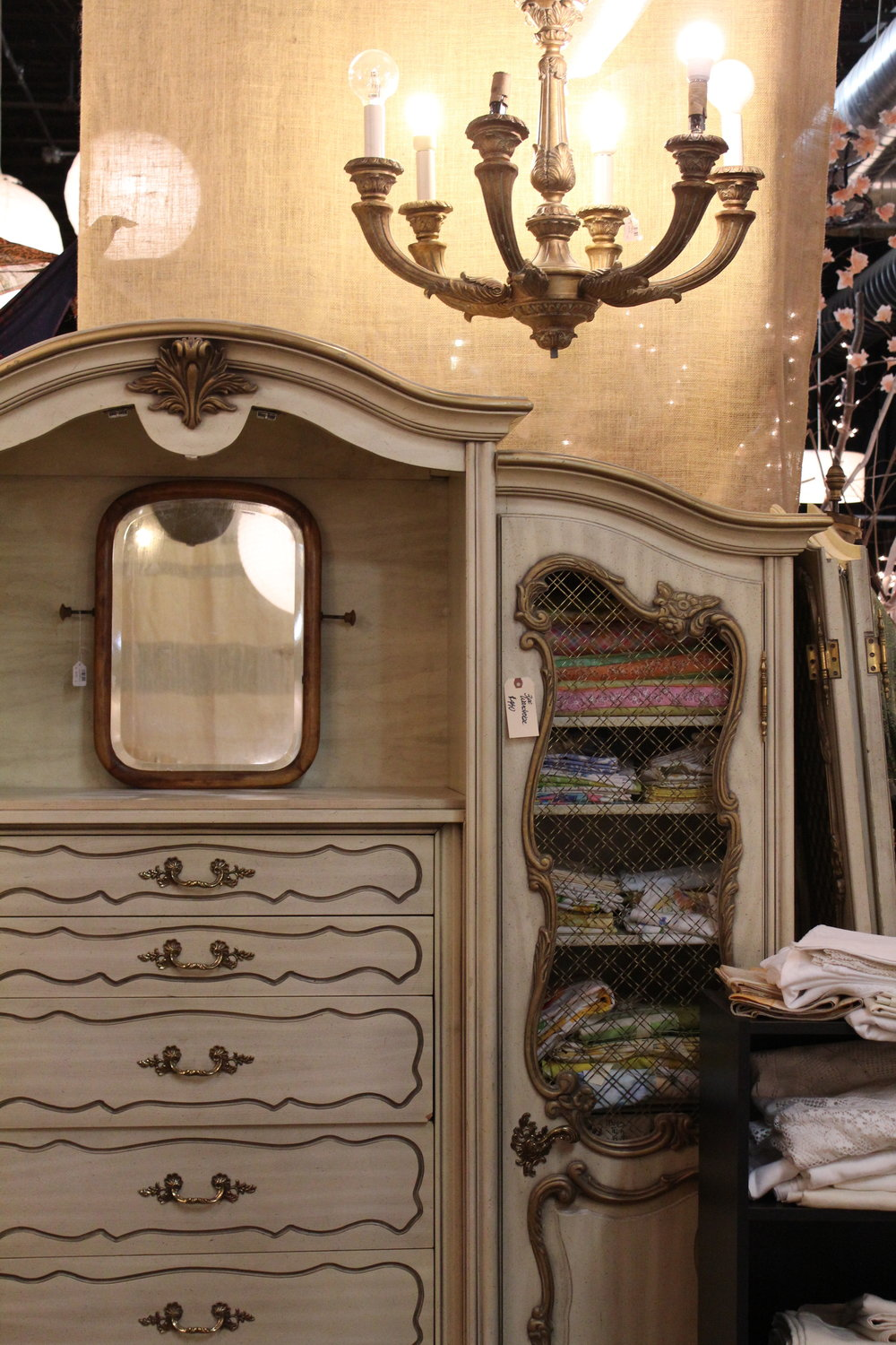 White Gilded 3-piece Cabinet Set