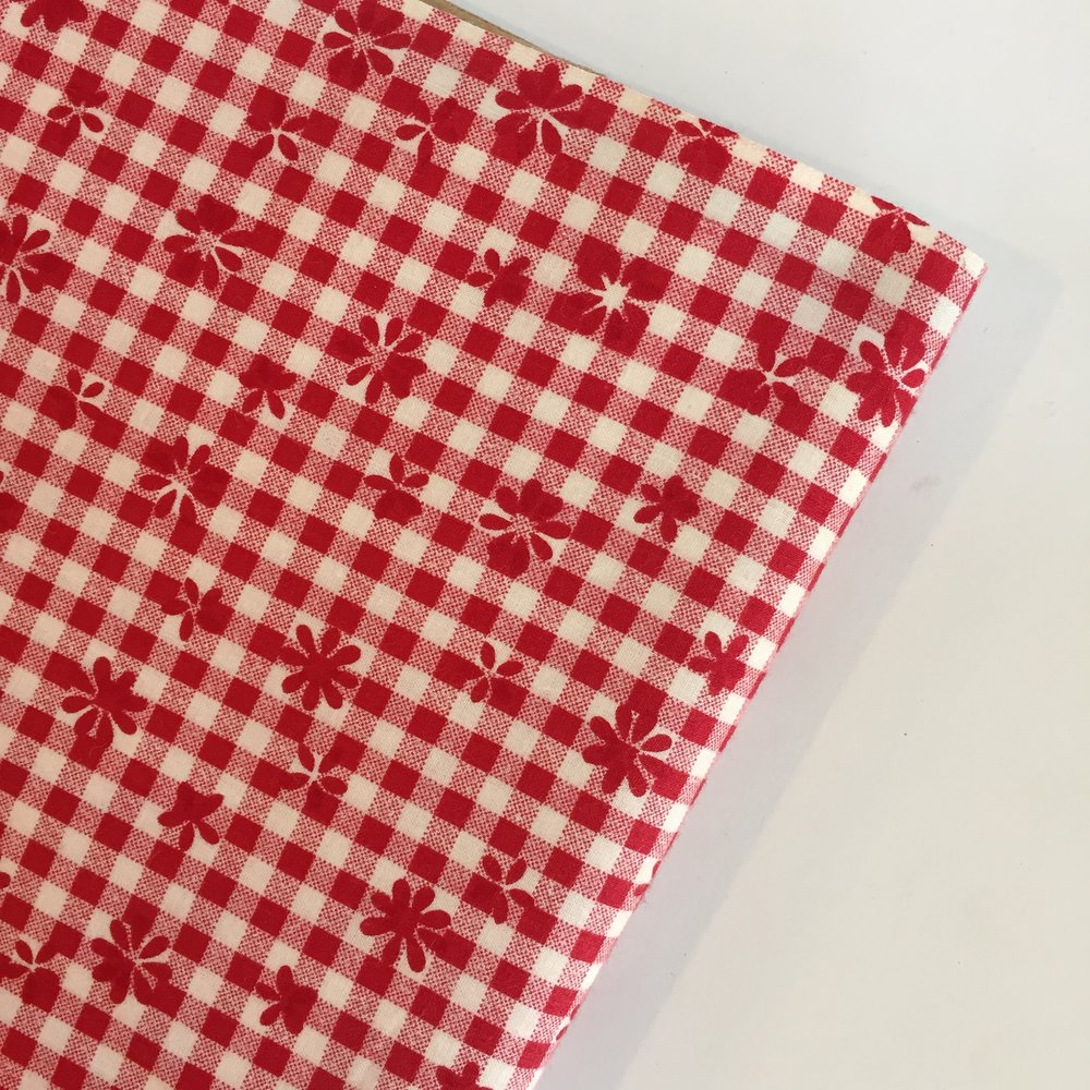 Red & White Check Tablecloth