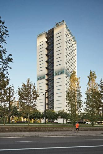 1306-Renassance-Barcelona-Fira-Hotel-Ateliers-Jean-Nouvel-4.jpg