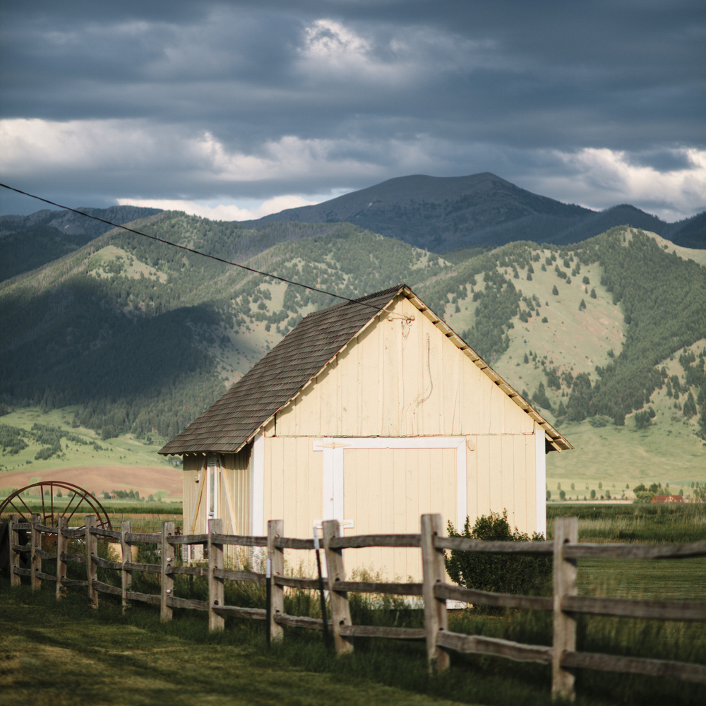 Big-Yellow-Barn-Bozeman-Montana-Photography-12.jpg