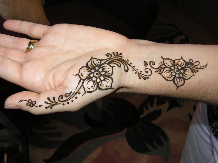 Simple Henna Design 2012 (2).jpg