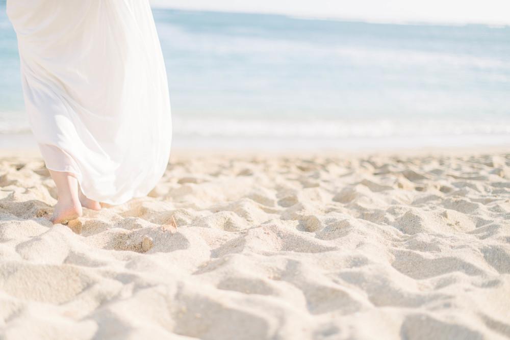 hawaii barefoot beach elopement wedding by melissa wessel