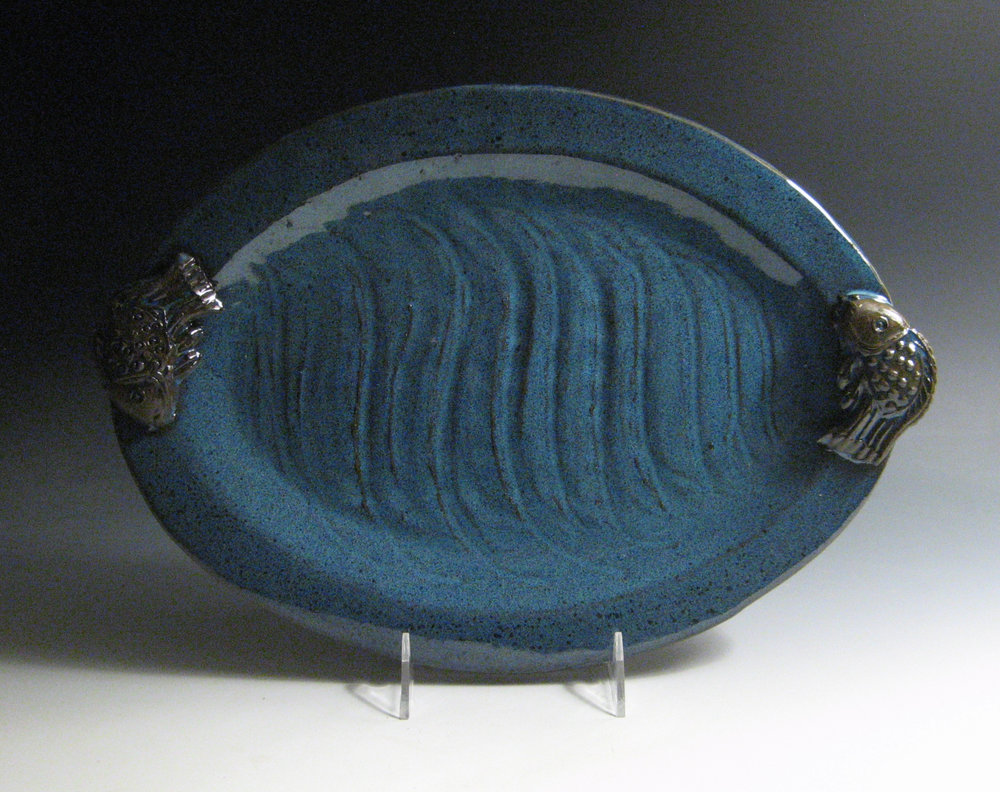 Fish handled oval platter