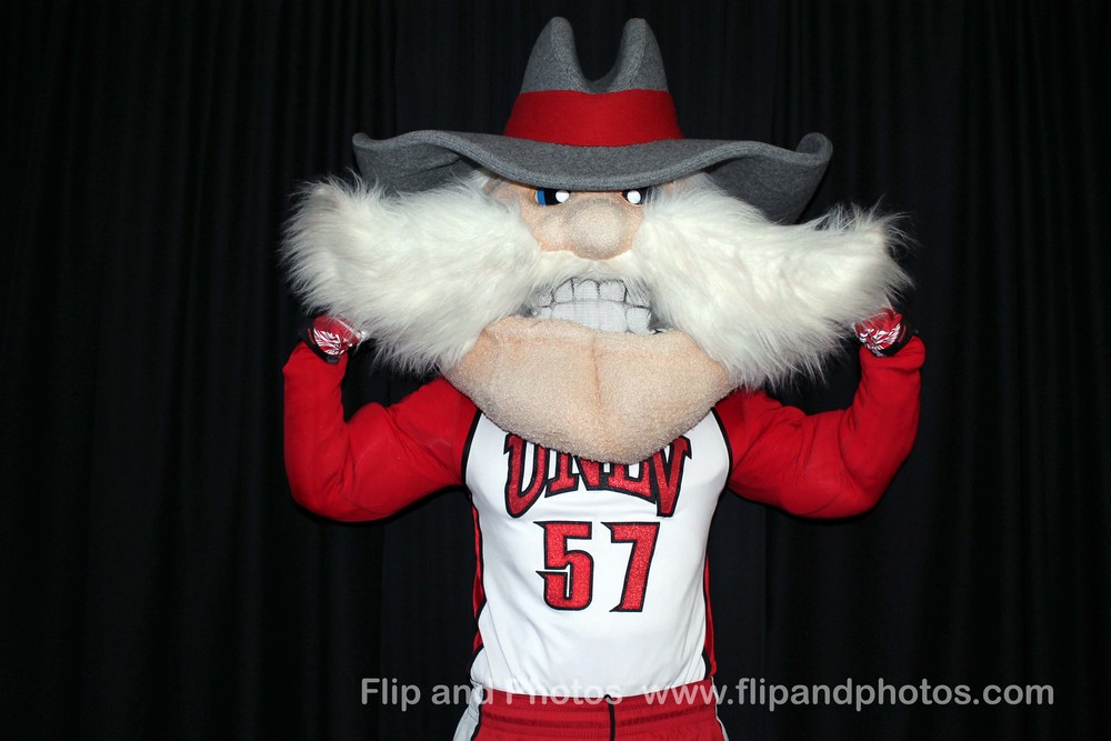 Click on Hey Reb to view the rest of the photos!