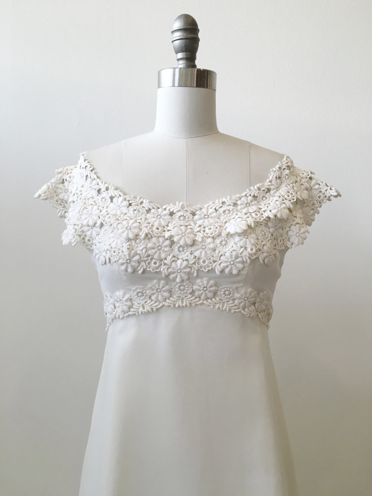 Vintage Bridal 1970\'s Silk Organza and Venice Lace Wedding Gown ...