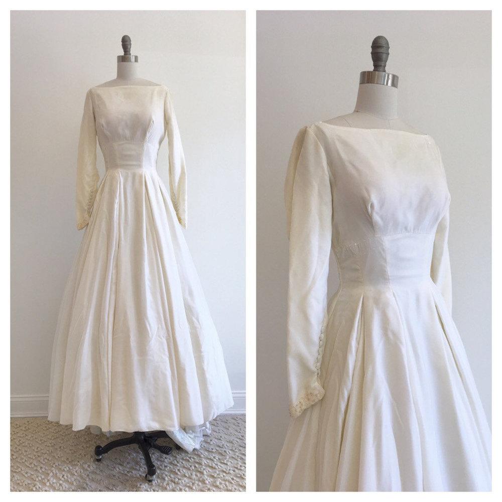 Velvet Wedding Dresses with Sleeves