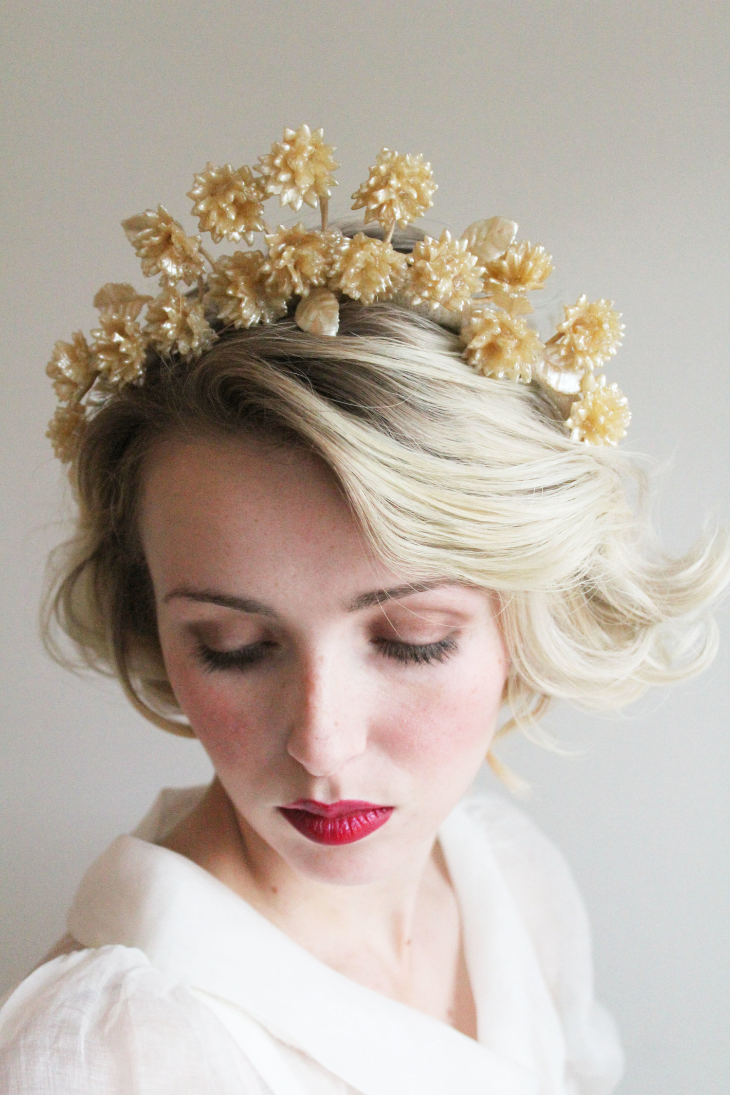 Vintage 1930s 40s wax carnation bridal crown mirandas vintage vintage 1930s 40s wax carnation bridal crown izmirmasajfo Choice Image