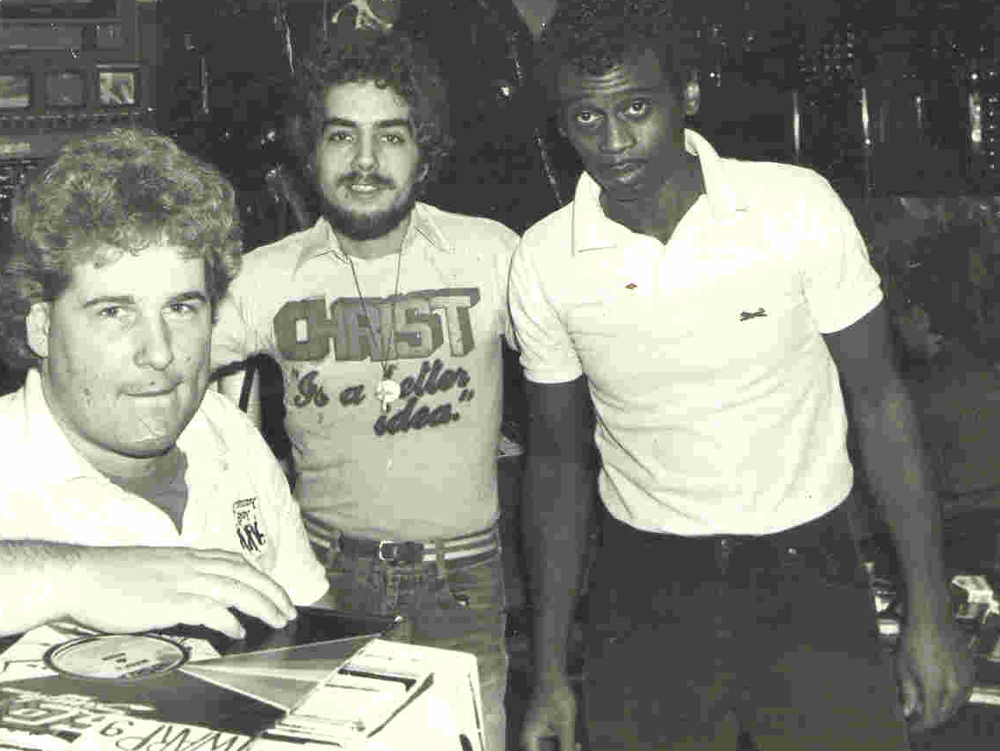Walter Gibbons at the Funhouse with light controller Randy Murray (left) and Tony Smith (right). Courtesy of Tony Smith.