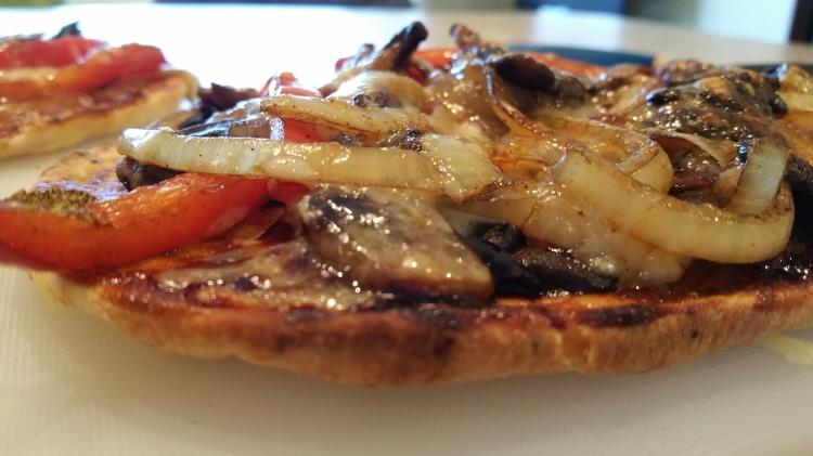 bbq naan pizza