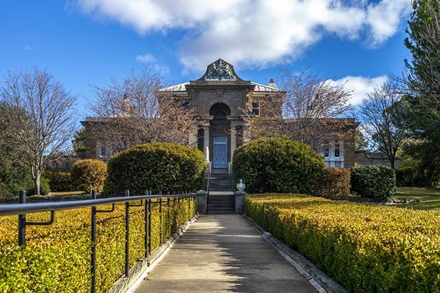Back in the Canberra area and traveled through Cooma and visited its court house for its gorgeous architecture. poetproductions.net @leica_camera_aus #leica #leicam #leicam240 #leicacamera #leicacraft #leicalove #leicaaustralia #leicacameraaus #50mm #summicron #summicron50 #manual #manualfocus #rangefinder #classiccamera #madeinwetzlar #photography