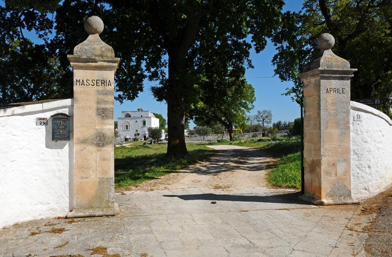 MASSERIA-ingresso 2.jpg