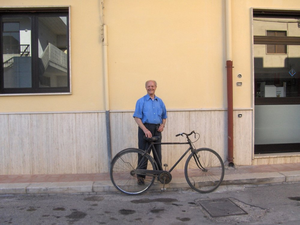 2016 zio tommaso and his 80 yr old bike.jpg
