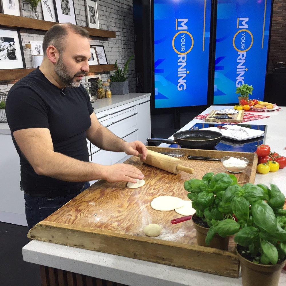 Massimo Bruno making Panzerotti.JPG