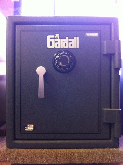 burglar-fire-safe-2.jpg