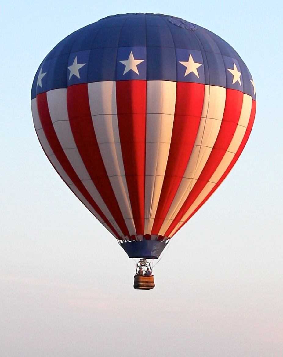 red-white-blue-balloon-american-flag-madison-wi.jpg