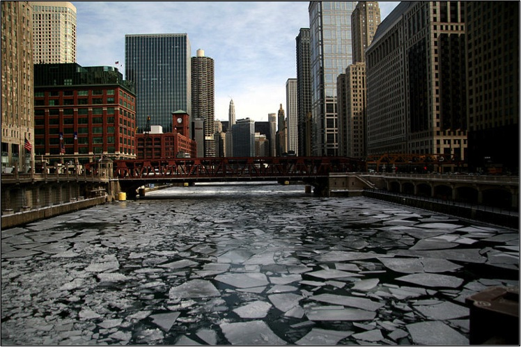 Chicago River, Chicago, Illinois. Photo by 'Señor Codo' (Flikr).