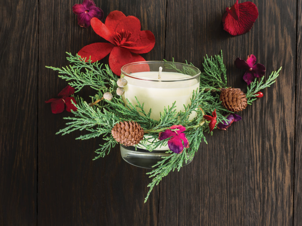A Gift of Comfort & Light: $40  - soy wax candle with comforting candrimā™ aroma