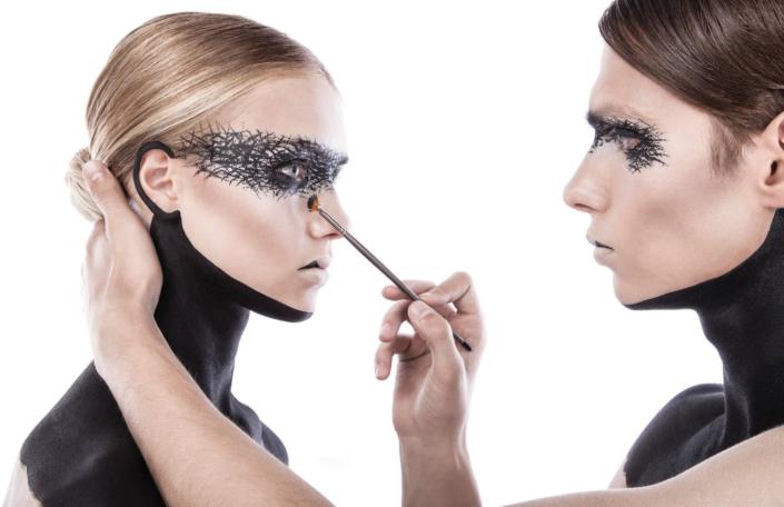 MUD-makeup-shot-1-705x456.png